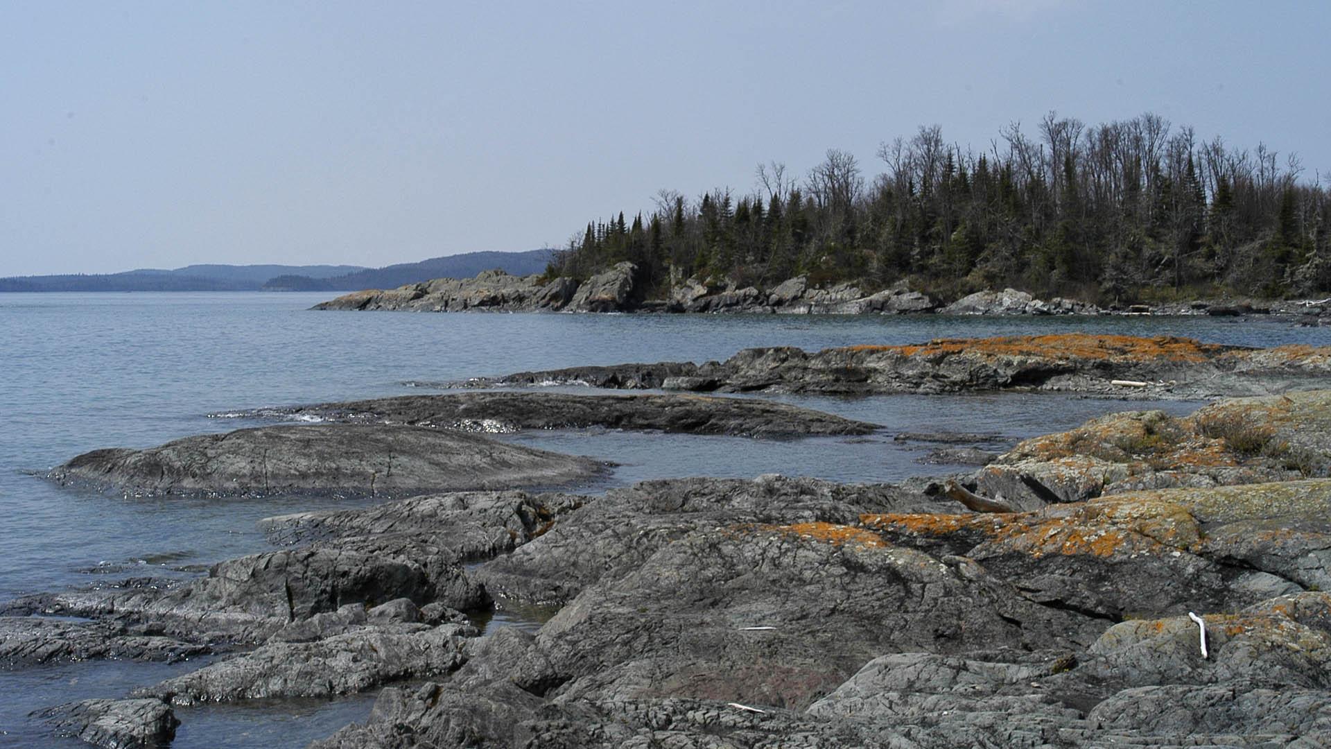 Slates Island shoreline - Nature Trek Canada