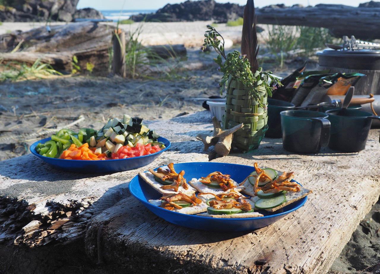Wild Gourmet Meal on a Nootka beach -Doodeman 2018