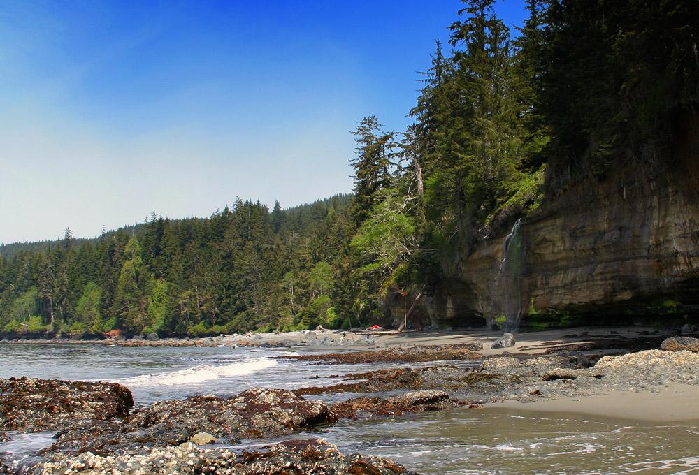 A classic hike along the southern coast of Vancouver Island.< br> Photo: Marijn Raijmakers